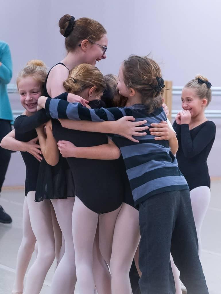 Partner-BalletChelsea-hug